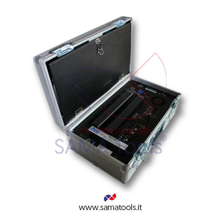 Amplificatore digitale con equalizzatore parametrico integrato